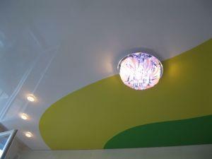 Комбинированные потолки в интерьере